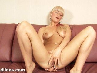 Hot Blonde Gaping Her Asshole With A Huge Black Brutal Dildo In Hd