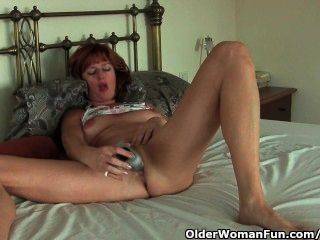milf solo toy dildo pulled back her