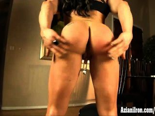Buff Muscle Chic Pumps Her Huge Clit