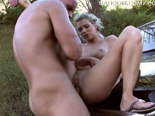 Stranger Fucks Milf In A Field At Dusk