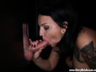 Gloryhole Secrets Milf Kitty Giving Bjs 4