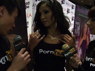 Pornhubtv Sadie Santana Interview At 2014 Avn Awards