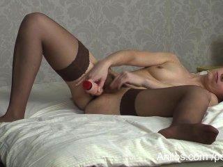 Hairy Mom Pussy Cums On A Dildo