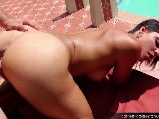 Airerose Valentina Fucks Outdoors