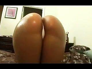 Slut Fucks Herself Til She Squirts