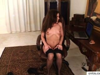 Amateur Mom Masturbates To Porn
