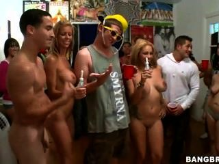Pornstar Tits And Ass Crash College Party