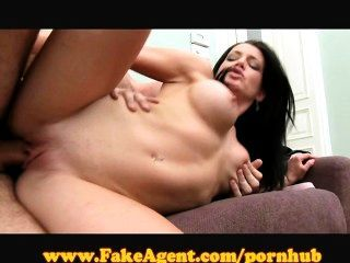 Fakeagent Horny French Amateur!