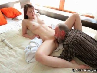 porno Grandpa and girl