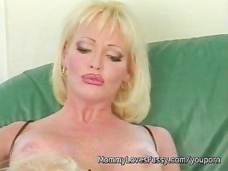 Milf Pornstar Houston Lesbian Fucks Girlfriend