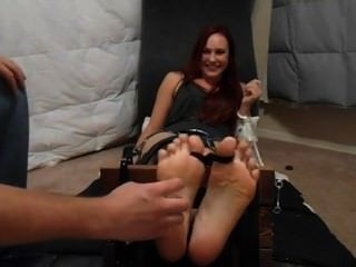 Tickle Vegas -tickling Jolene Hexx