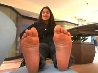 squirting on feet