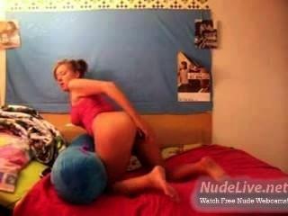 Very Hot Amateur Blonde Teen Self Pleasure On Webcam