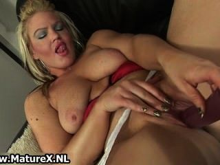 Horny mature loves to fuck