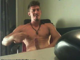 Musclesmoke On Cam4