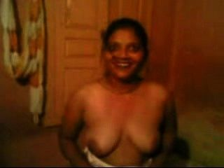 Indian Bhabhi Boobs Show