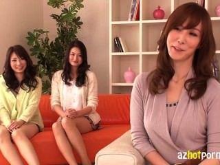 Hot Japanese Ladies Having An Orgy 1