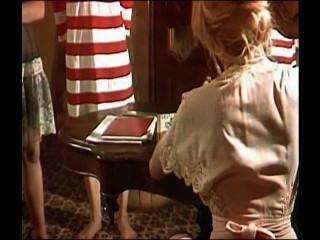 1979 - Pensionat Heissbluetiger Teens - Scena 1