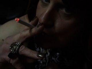 Cynthia Mature Cd/tv Giving A Smokey Bj