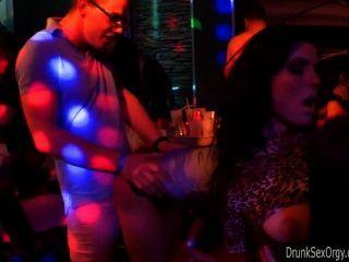 Club Bitches Fuck In Public