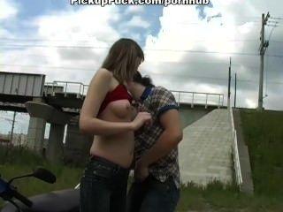 Threesome Sex In Amateur Porn Vid