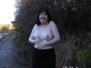 Chubby Amateur Flashers Outdoor Masturbation And Exhibitionism Of Geeky Nim