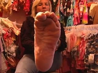 Mature Blonde Footfetish Smooth Sexy Soles