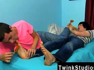 Amazing Twinks Conner Bradley And Tyler Bolt Are In The Mood For A Night