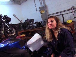 Oceanside Motorcycle Mechanic Sucks Marines Cock In The Shop