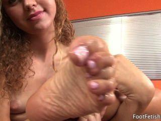 Jessie Rogers Sucking Her Feet