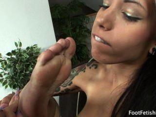 Callie Cyprus Sucking Her Feet
