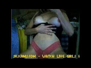 Webcam Girl Giving A Sex Show