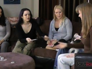 Strip Screw-your-neighbor With Zayda, Lucretia, Ashley, Elise, And Natalia