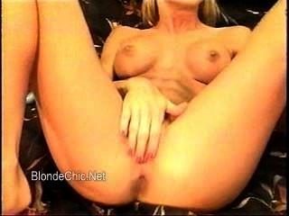 Baise entre amis steph debar french blonde in gangbang - 3 6