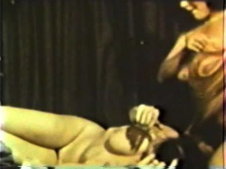 Lesbian Peepshow Loops 586 70s And 80s - Scene 4