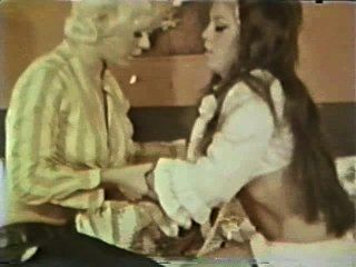 Lesbian Peepshow Loops 588 60s And 70s - Scene 1