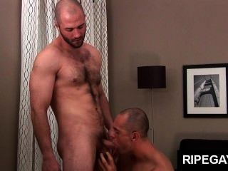Ripe Gay Men Over 30 Have Hot Sex