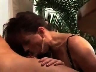 Slut Mature In Heat Fucked By Young Stallion