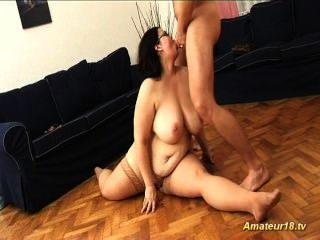 Plumper Girl Ready For Flexi Kamasutra Fuck