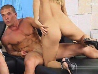 Gorgeous Daughter Sex In Public