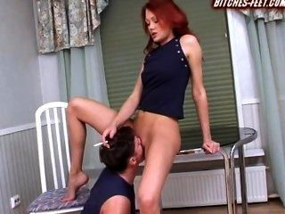 Smoking Hottie Gets Her Pussy Licked