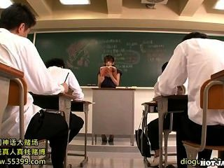 Japanese Girls Attacked Lustful Private Teacher At University.avi
