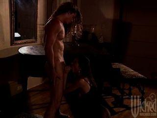 Sandy rebecca lord rocco siffredi in classic porn video