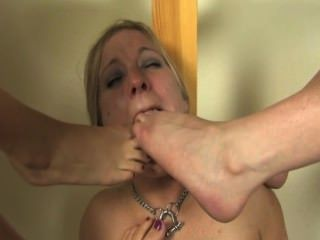Hard sex dominate trample foot night mutha