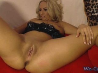 Aasstight webcam private show toying in all holes 10