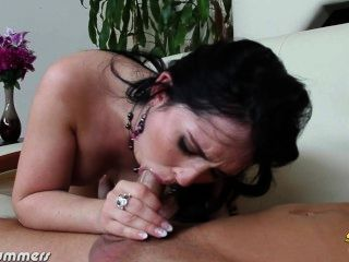 Hottie Angell Summers Gets Pussy Cummed