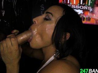 Body Builder Babe Becca Diamond Deep-throating Every Inch In Gloryhole_10.1