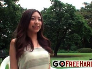 High Definition Asian Beauty In The Park