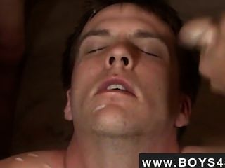 Male Models Blue-eyed Avery Gets Covered With Cum