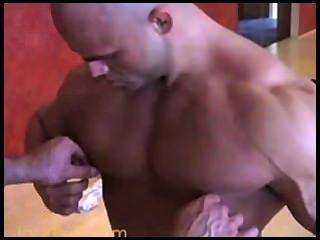 Bald Musclebulls Big Roger + Peter Latz
